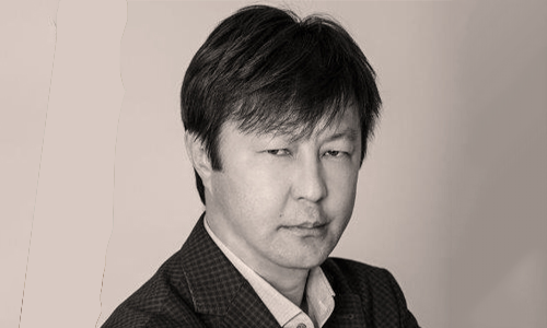 Kazakh poet Akberen Yelgezek Workshop