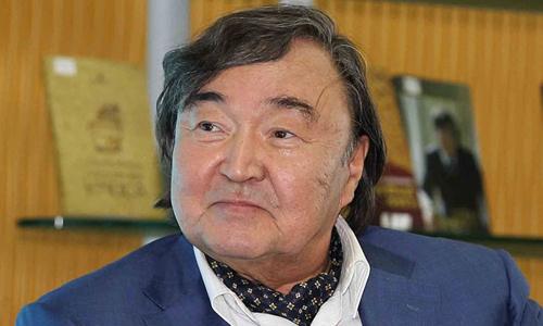Kazakh poet Olzhas Suleimenov Translation Workshop
